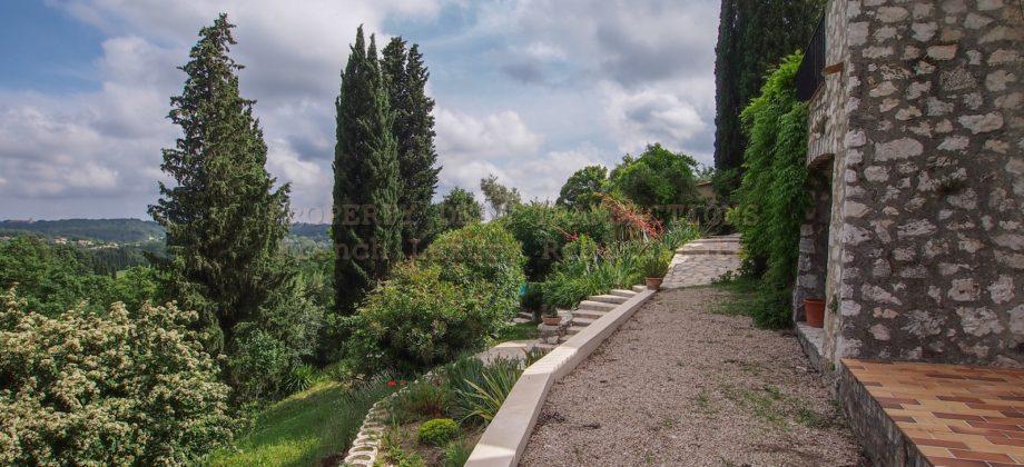 Villa provençale dominante OPIO
