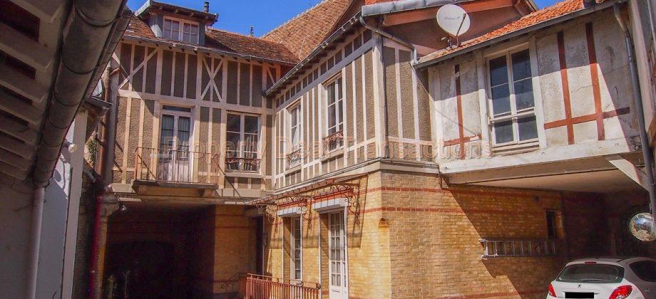 Propriété du 19ème siècle – La Celle Saint Cloud