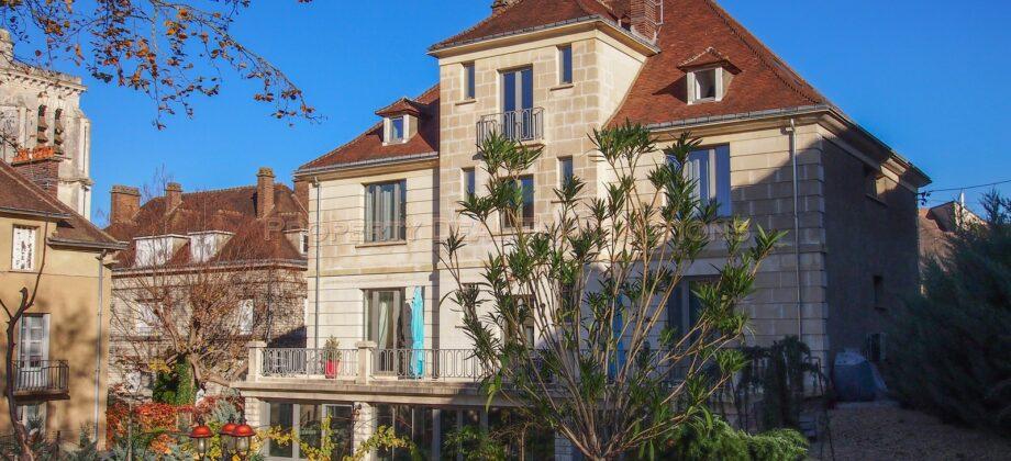 Hôtel particulier centre ville Tonnerre